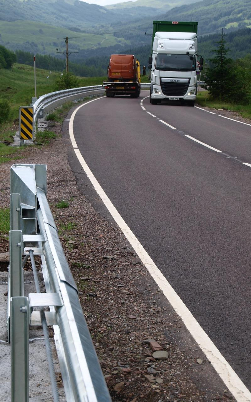 Flexbeam vehicle restraint system (A82)